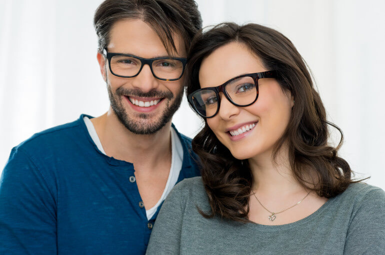 Buying Eyeglasses Online: Stores That Ship Worldwide